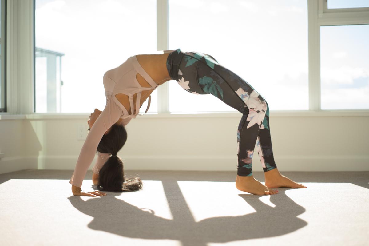 Upward Bow (Wheel) Pose Left Leg | Urdhva Dhanurasana | Yoga | Jannette Brodersen