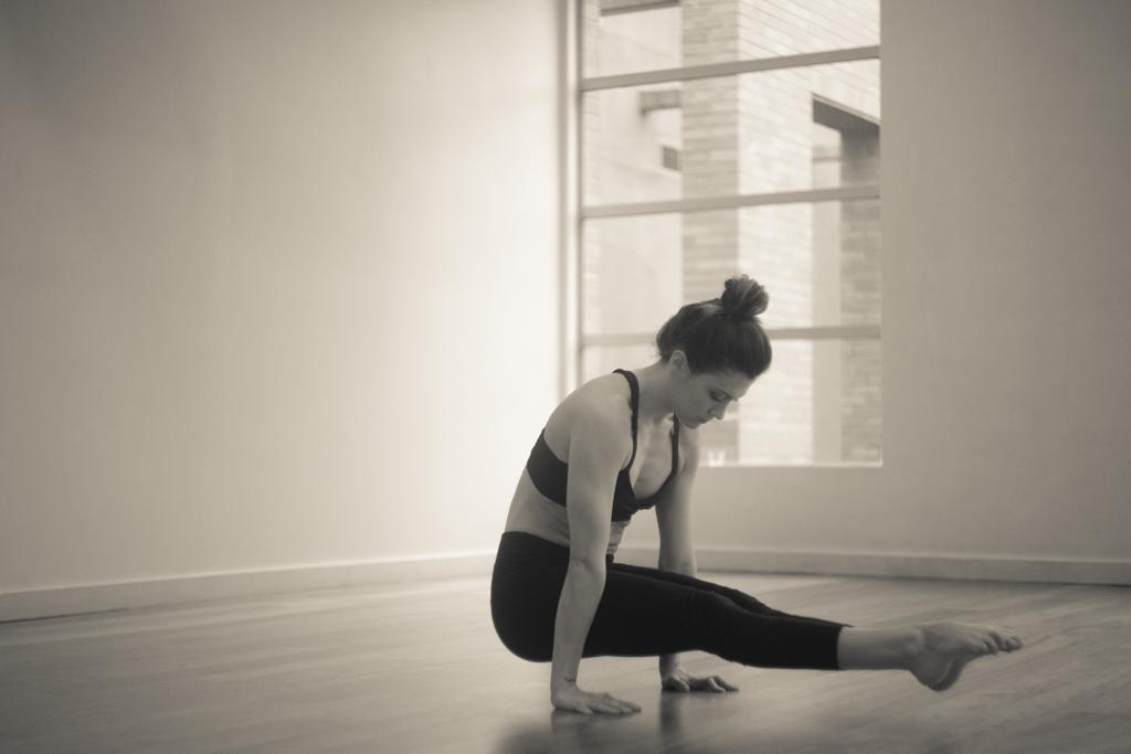 L-Sit | The Celibate Post | Brahmacharyasana | Yoga | Leiah Luz